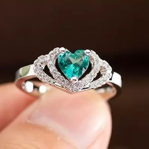 New emerald heart shaped ring for women silver